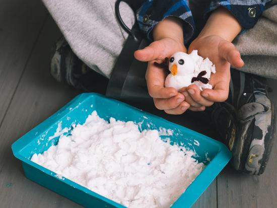 sensory-snow-DIY-kids-kiwi-crate