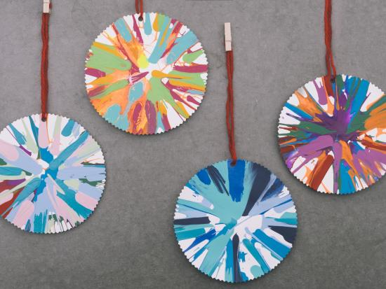 st-patricks-day-projects-kids-rainbow-spinning-art