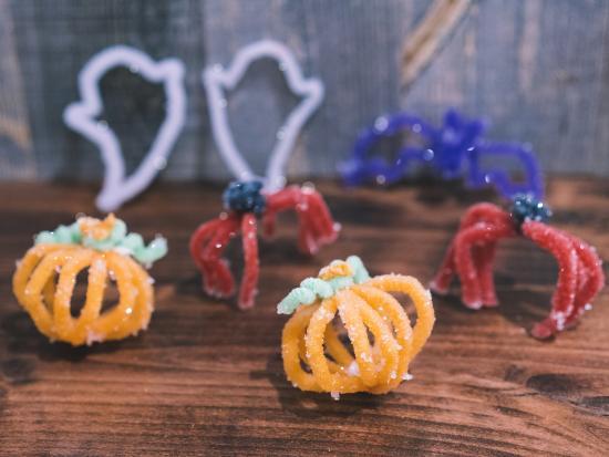Halloween-borax-crystals-Decoration-Tinker-Crate-DIY