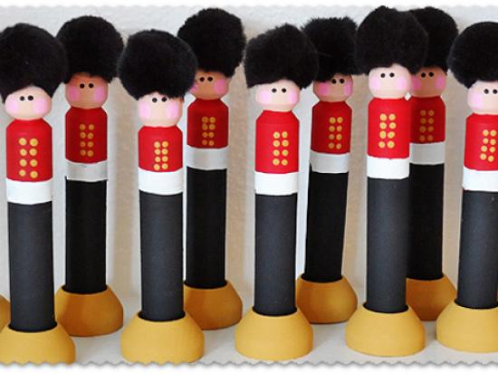 Clothespin Christmas Soldiers