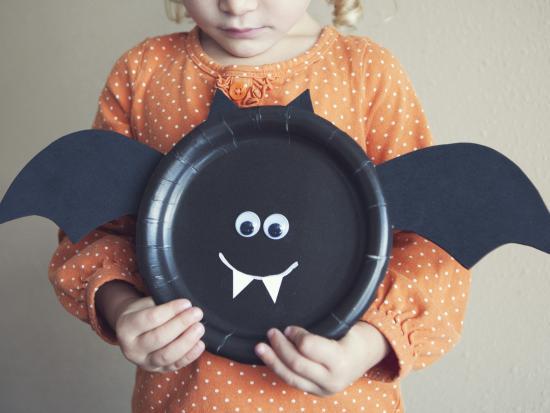 Halloween-Bat-Preschool-DIY-Decorations
