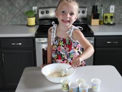 Crunchy Frozen Yogurt Cups