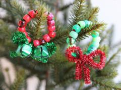 Beaded Pipe Cleaner Mini Wreaths