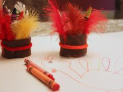 Indian Headdress Crayon Holder