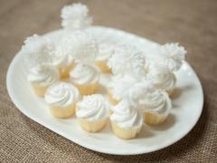 Pom-Pom Cupcake Toppers