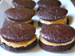 Peanut Butter Brownie Whoopie Pies