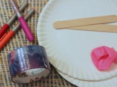 Paper Plate Paddle Ball