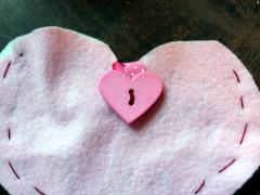 Felt Heart Pocket People