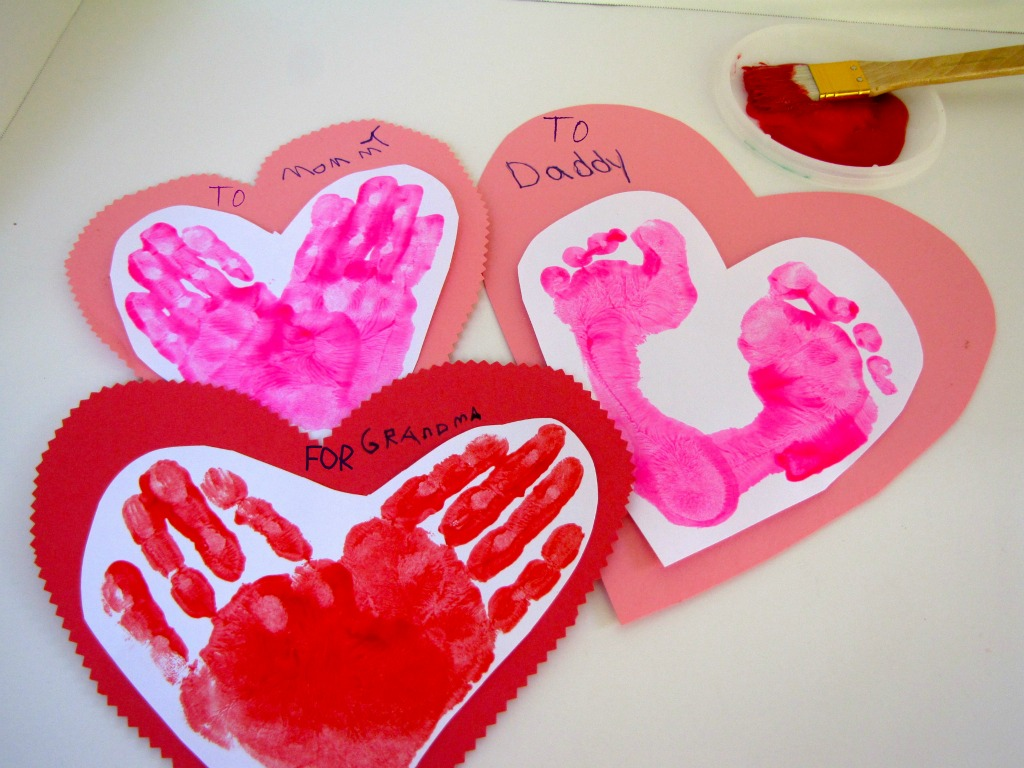 7 easy valentine 39 s day crafts for toddlers kiwico for Toddler valentine craft ideas
