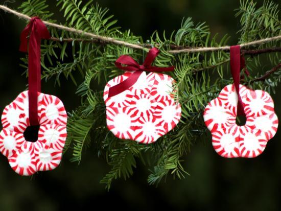 homemade-christmas-ornaments-kids-Kiwi-Crate-peppermint