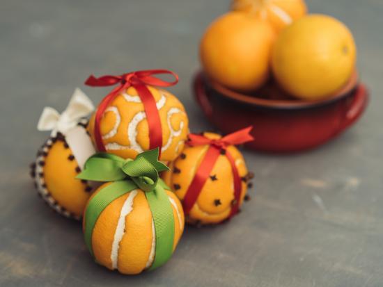 last-minute-thanksgiving-decor-kids-DIY-Kiwi-Crate-orange