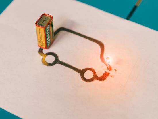 8 Electric Science Projects For Kids