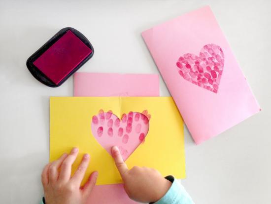 fingerprint-card-valentine-day-heart-kiwi-crate
