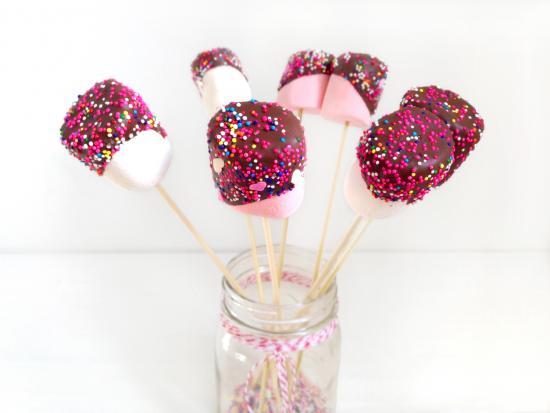 valentine-marshmallow-kindness-creative-DIY-Kiwi-Crate-kids