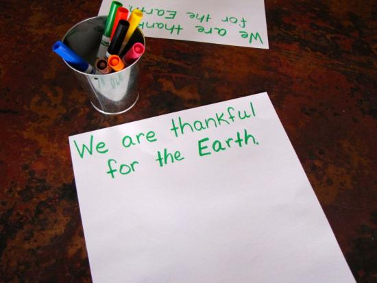 gratitude-Earth-kids-DIY-Kiwi-Crate-thanksgiving