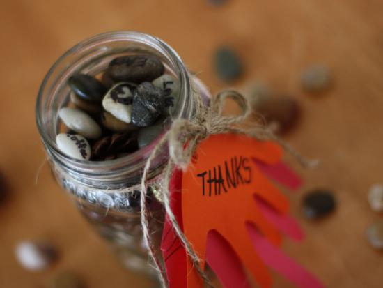 gratitude-jar-kids-DIY-Kiwi-Crate-thanksgiving
